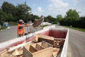 Partenariat pour le recyclage des déchets d'ameublement dans Recyclage collecte-dechets-dameublement-300x200